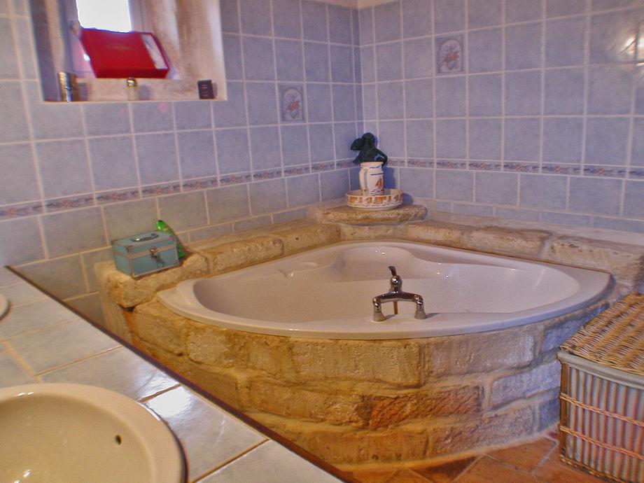bauernhof domaine st suzanne nahe beziers languedoc frankreich firma south france villas. Black Bedroom Furniture Sets. Home Design Ideas