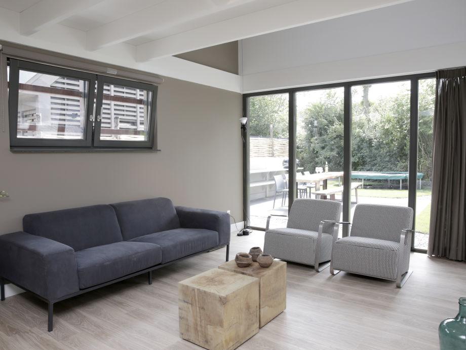 Das Wohnzimmer Mit Gemtlicher Couch
