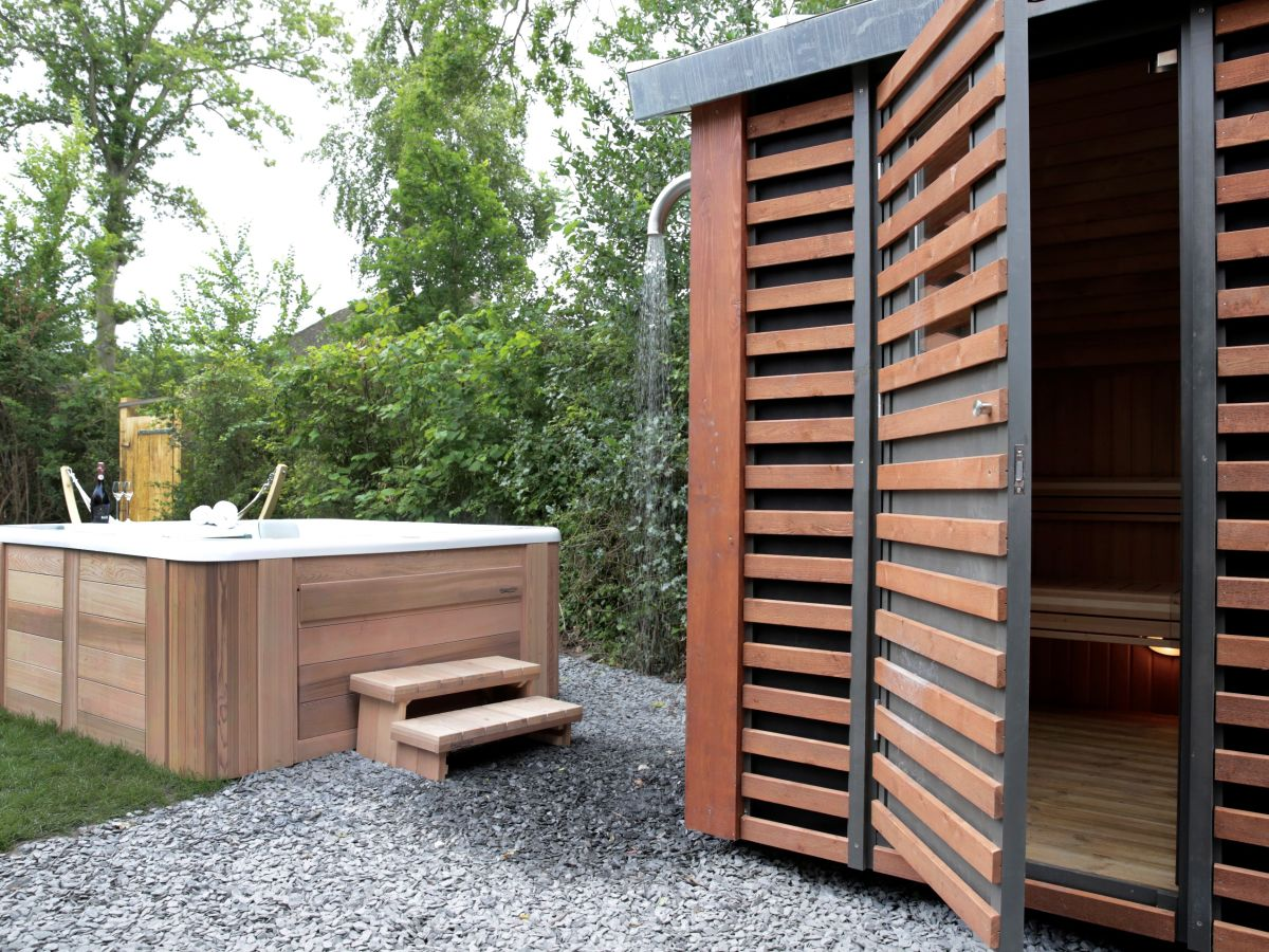 villa mit jacuzzi au enk che und patio feuerstelle nord holland schoorl firma dutchen firma. Black Bedroom Furniture Sets. Home Design Ideas