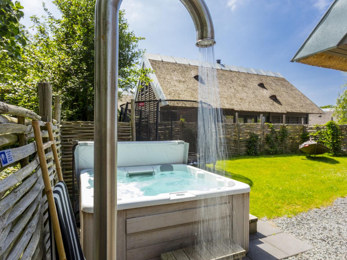 Außenküche Für Kinder : Villa mit jacuzzi sauna außenküche und patio feuerstelle