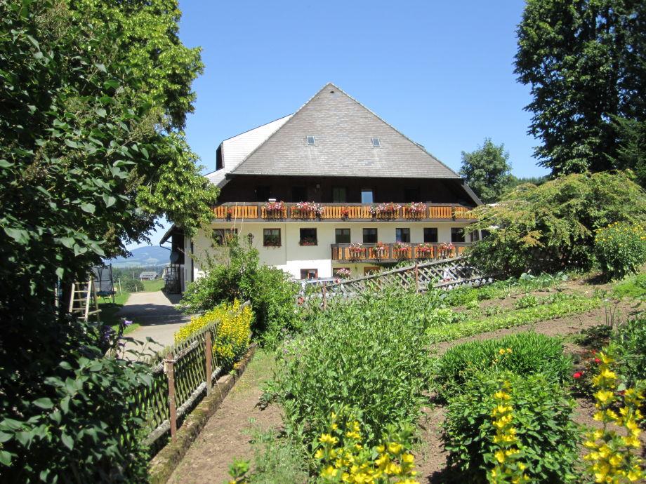 Hof mit Bauerngarten