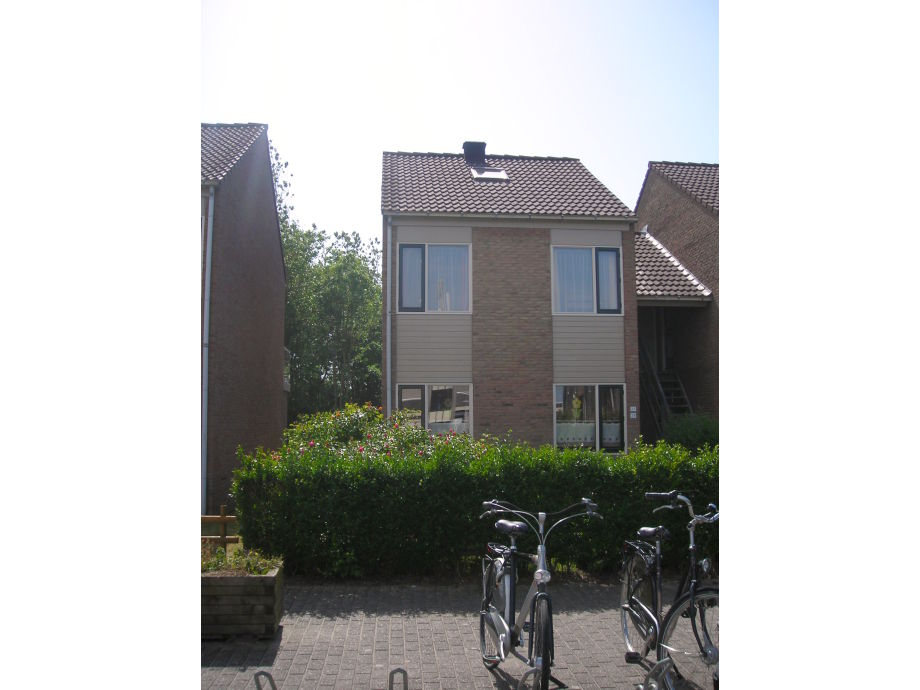 Ein Fahrradparkplatz vor dem Ferienhaus