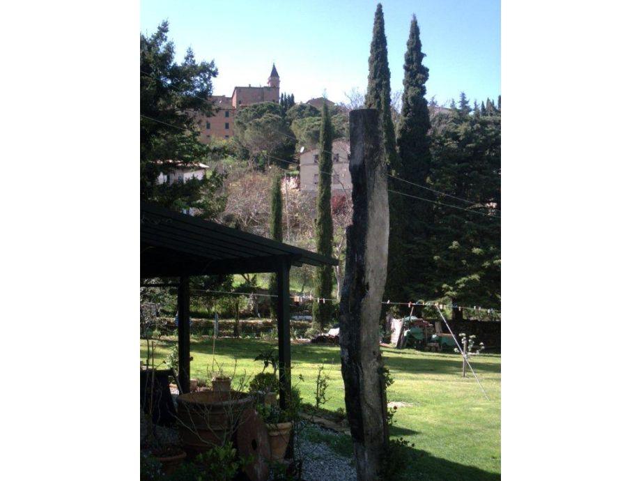Garten mit Blick auf Seggiano