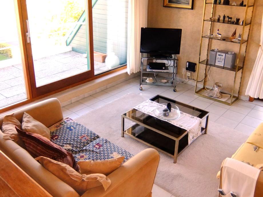 Das Wohnzimmer mit großer Wohnlandschaft