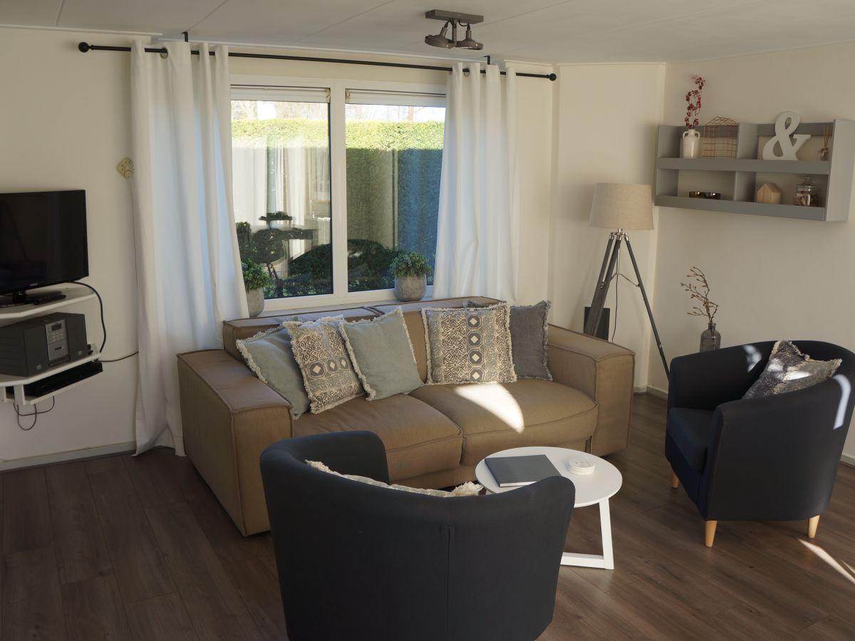 ferienhaus de sprong 15 renesse firma sorglos urlaub in zeeland frau lara koppenaal. Black Bedroom Furniture Sets. Home Design Ideas