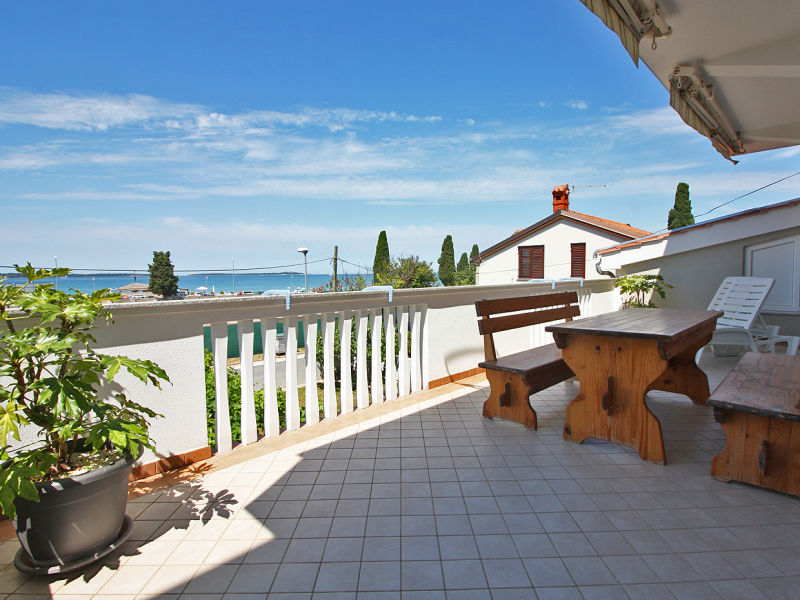 Holiday apartment No.9 ( 6+2 ) 150 m from the beach