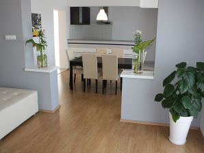Holiday apartment N.9 (4+2) with sea view 150 m from the beach