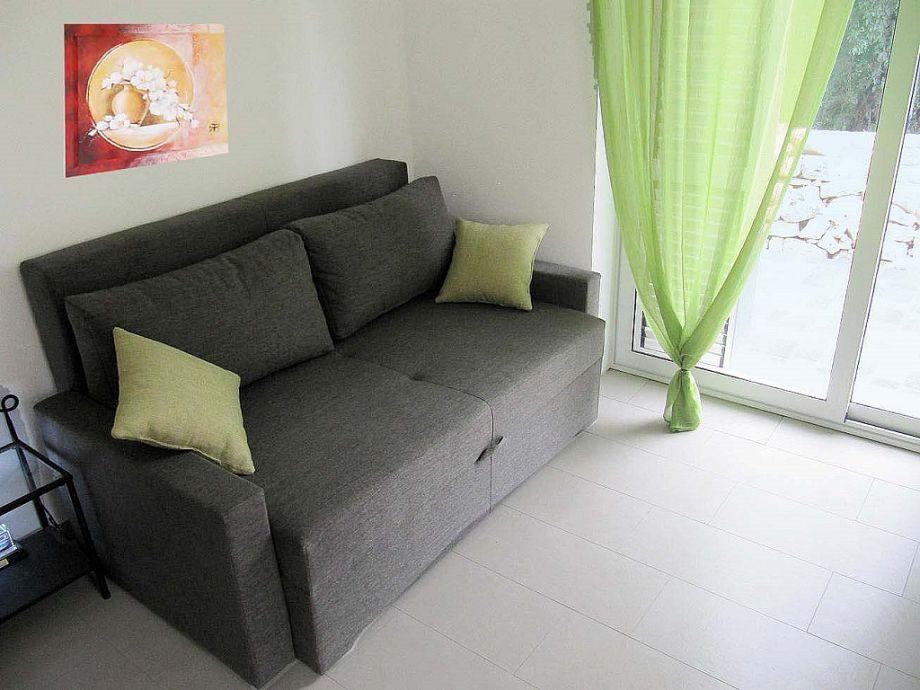 Apartment in der villa mare krka kroatien dalmatien for Schlafsofa mit matratze 160x200