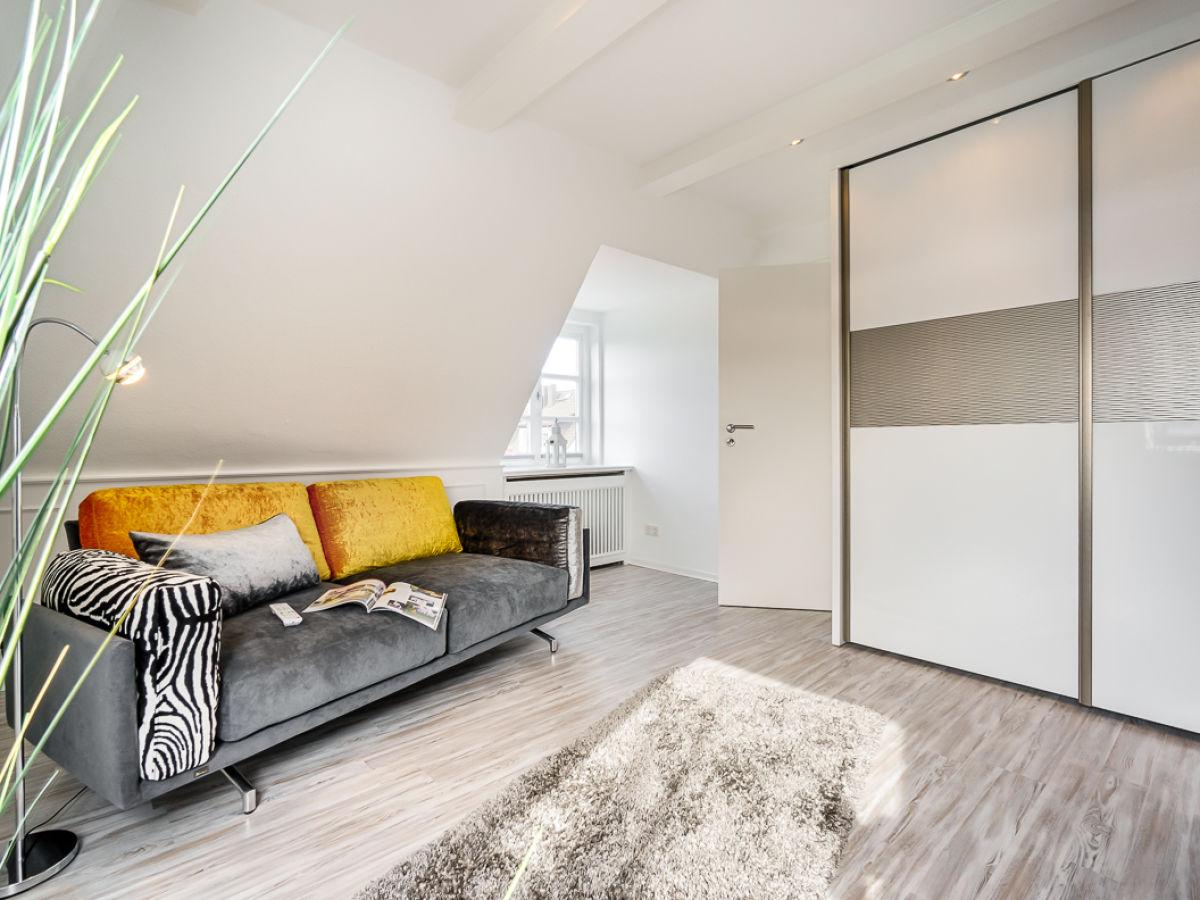 stylisches ferienhaus highlight morsum firma mrm gmbh ferienwohnungen sylt. Black Bedroom Furniture Sets. Home Design Ideas