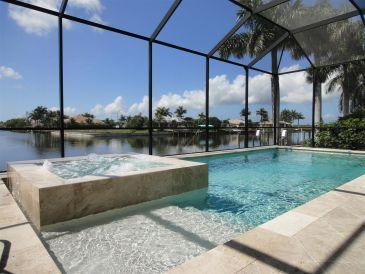 Villa Amazing am Wasser