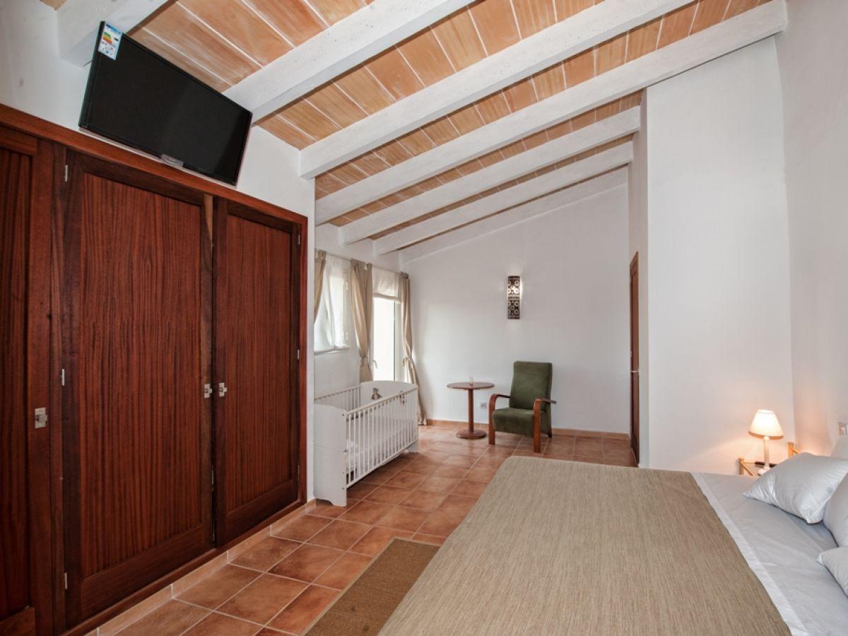 finca son pou felanitx firma villafinca firma. Black Bedroom Furniture Sets. Home Design Ideas