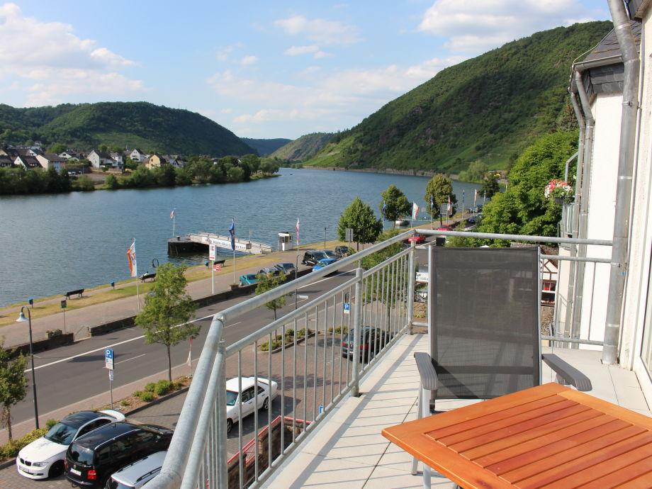Moselblick vom Balkon Richtung Koblenz