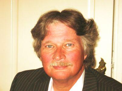 Ihr Gastgeber John Butselaar