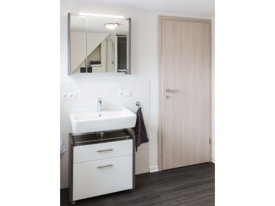 badezimmer ideen dachgeschoss. Black Bedroom Furniture Sets. Home Design Ideas