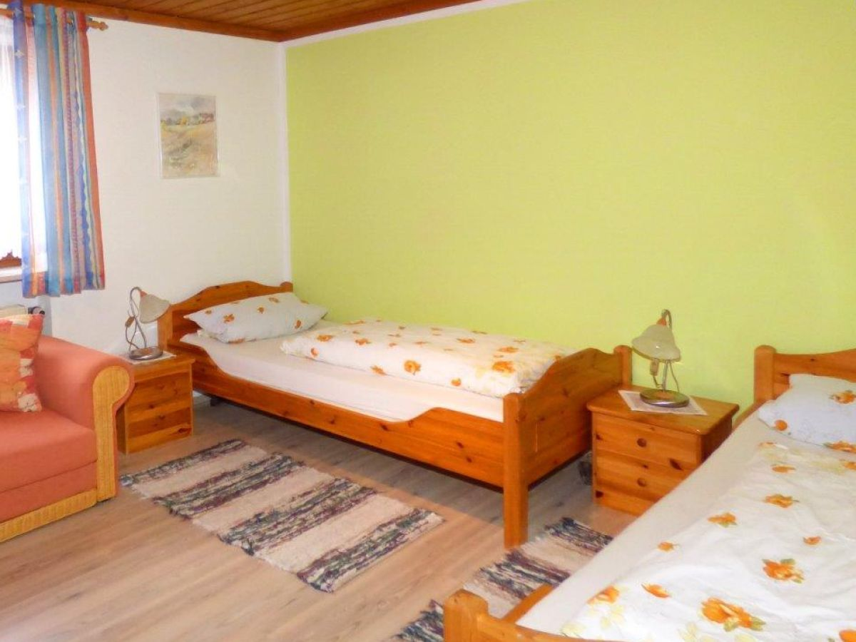 Bauernhof ferienhof fischer bayerischer wald firma for Kinderzimmer 2 betten