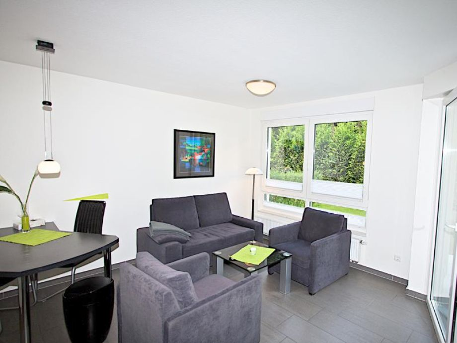 hitzeschutzfolie fenster blog posts coolhload hitzeschutzfolie f rs fenster so funktionierts. Black Bedroom Furniture Sets. Home Design Ideas