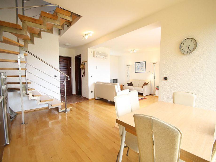 Ferienhaus bella vista istrien porec firma arlen for Wohnzimmer mit esstisch