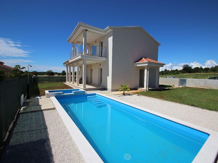 Ferienhaus Villa Manda mit Pool