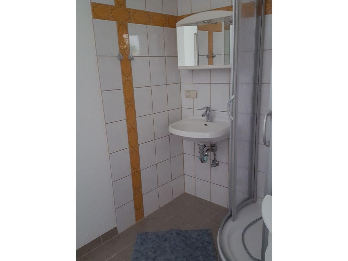 Ferienwohnung am bloschk spreewald schwielochsee frau for Modernes bad mit dusche