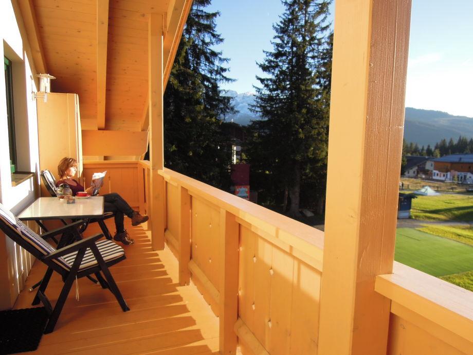 Ferienwohnung mit sauna fur 6 personen zillertal arena for Balkon teppich mit tapete sauna
