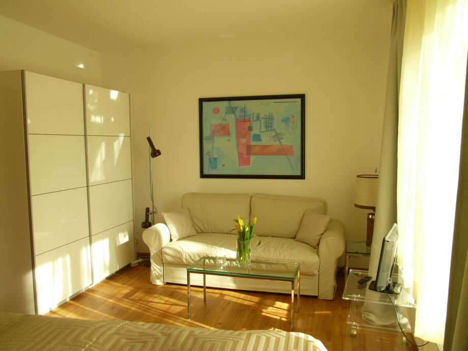 Sofa bed (180x200 cm), TV