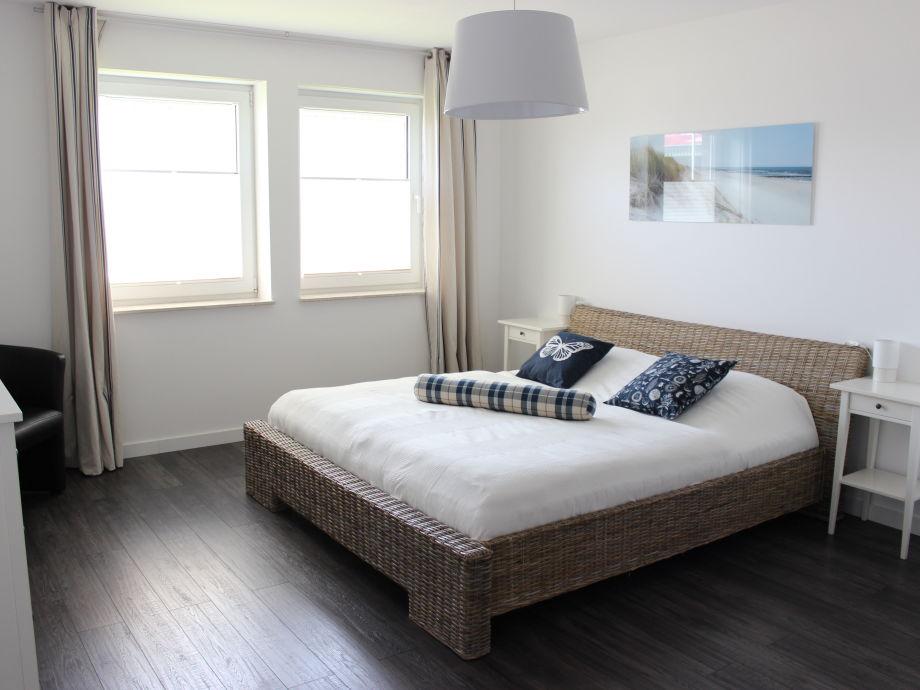 Modernes großes Schlafzimmer Bettgröße 180x200cm