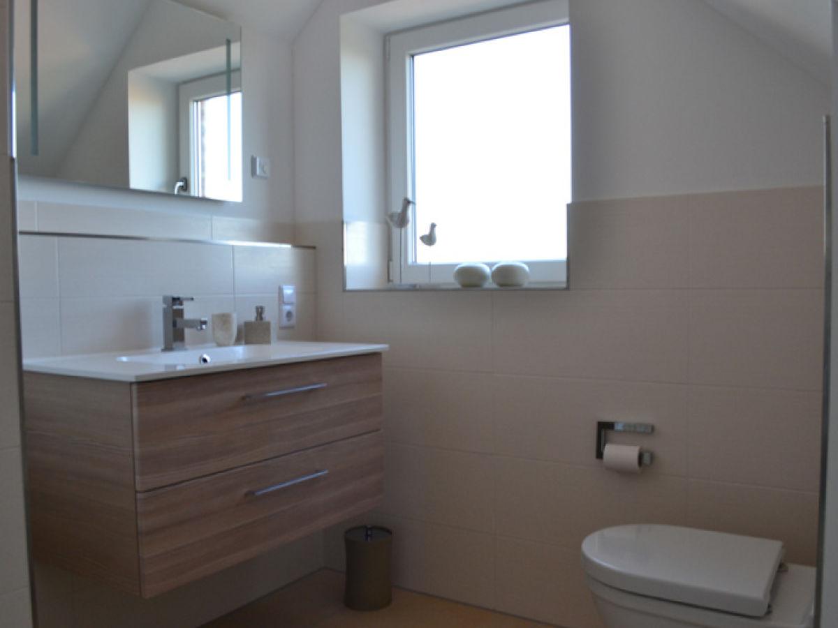 Ferienwohnung insel lounge borkum firma fewo vermietung for Moderne badeinrichtung