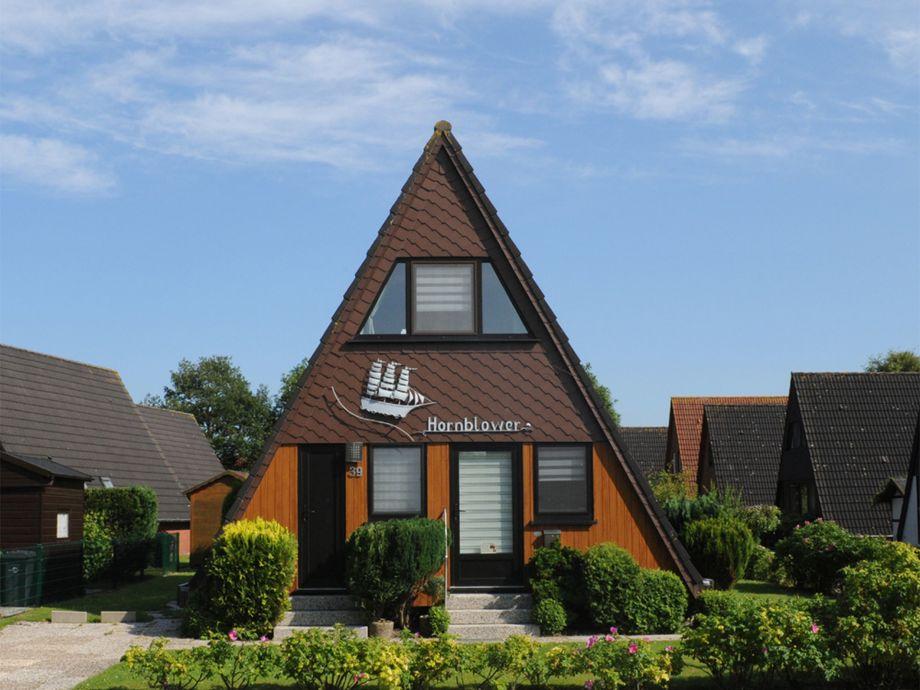 Ein Nurdachhaus mit