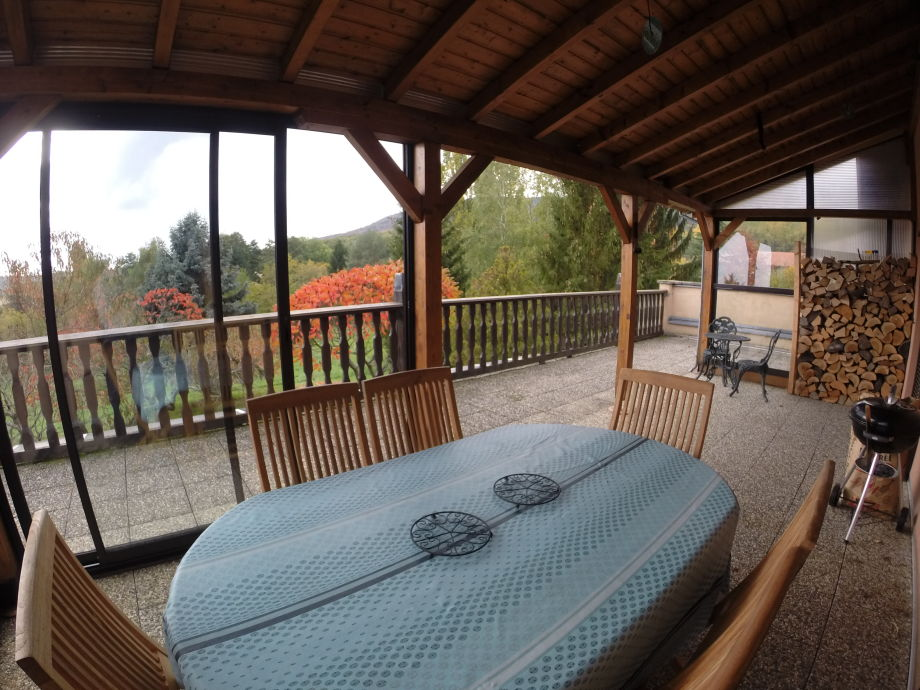 Terrasse in voller Natur