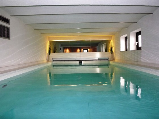ferienwohnung mittelholstein mit pool sauna schleswig holstein firma ferienwohnung. Black Bedroom Furniture Sets. Home Design Ideas