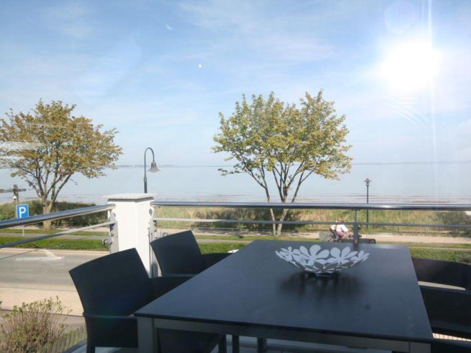 Ferienwohnung STRANDraum Haffkrug - Blick vom Balkon auf die Ostsee