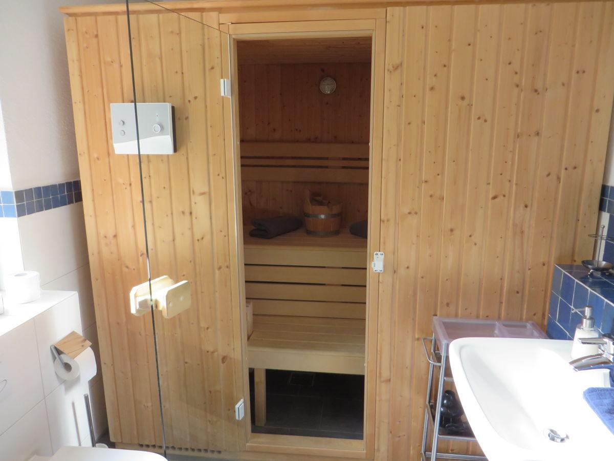 ferienhaus ber m rehbach rieden eifel firma eifel see ferienhausvermietung am waldsee. Black Bedroom Furniture Sets. Home Design Ideas