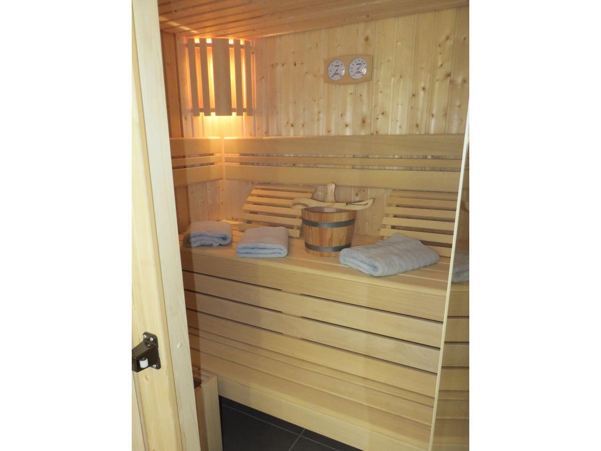 ferienhaus marlene rieden eifel firma eifel see ferienhausvermietung am waldsee. Black Bedroom Furniture Sets. Home Design Ideas
