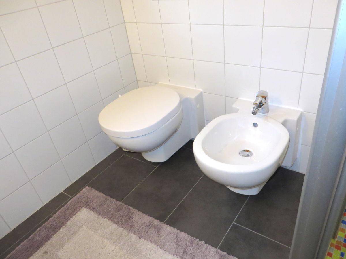 ferienhaus uferblick eifel rieden firma eifel see. Black Bedroom Furniture Sets. Home Design Ideas