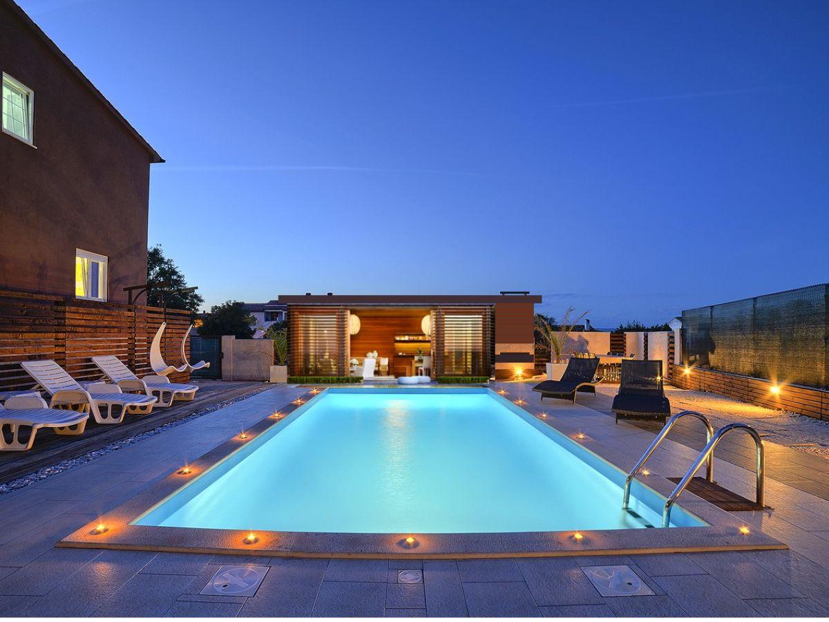 Villa nikolina 2km strand istrien medulin pula firma for Kroatien villa mit pool