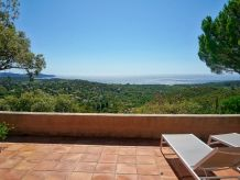 Detached villa with sea view in La Croix-Valmer