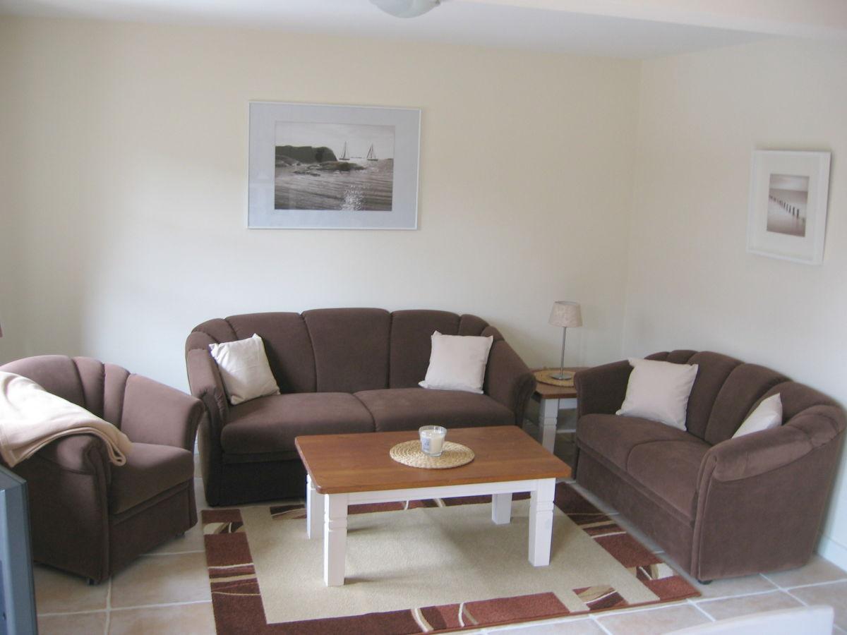 ferienhaus svenja wyk auf f hr firma clausen 39 s vermietung herr uwe clausen. Black Bedroom Furniture Sets. Home Design Ideas