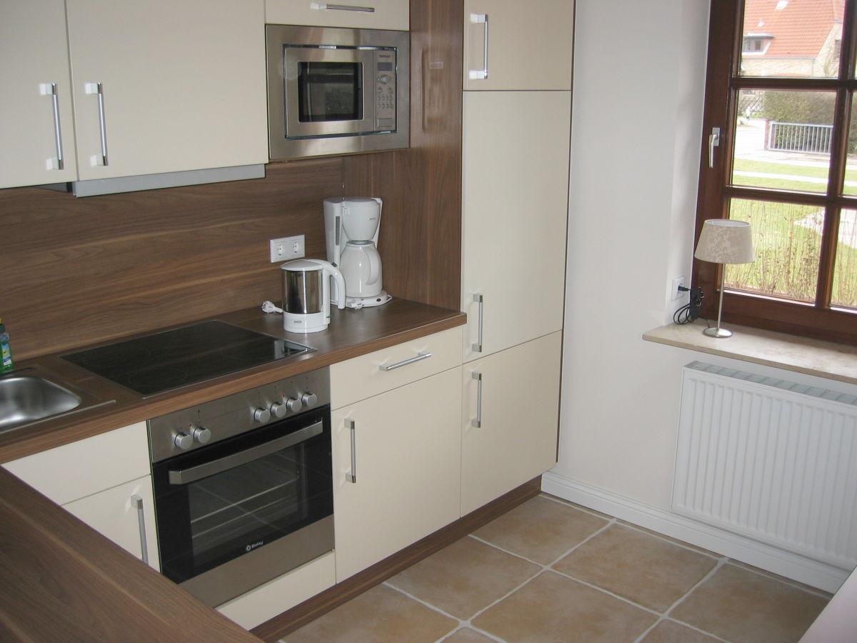 ferienhaus svenja insel f hr firma clausen 39 s vermietung herr uwe clausen. Black Bedroom Furniture Sets. Home Design Ideas