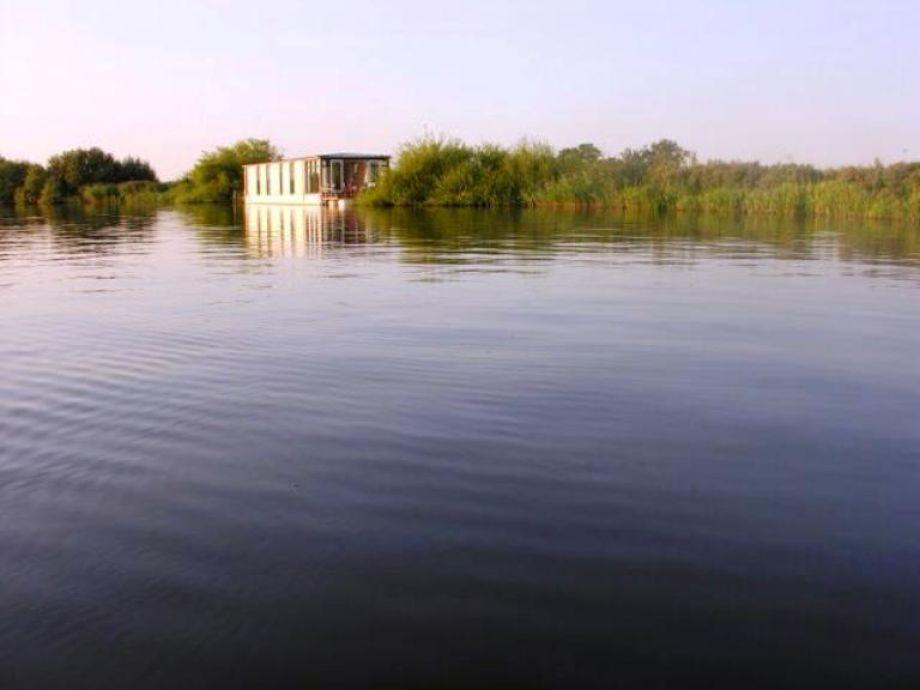 Hausboot grou fr100 friesland grou firma vakantie - Wasser am fenster ...