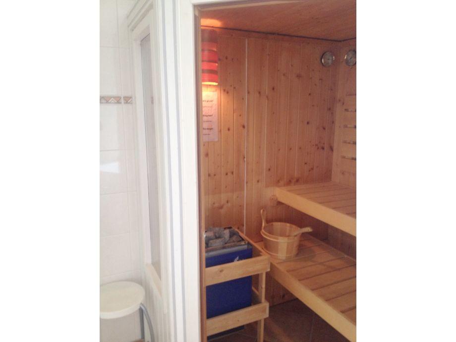 ferienhaus beachvilla grachtenblik ijsselmeer frau. Black Bedroom Furniture Sets. Home Design Ideas