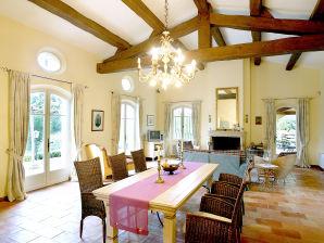 Landhaus Villa Oliviens
