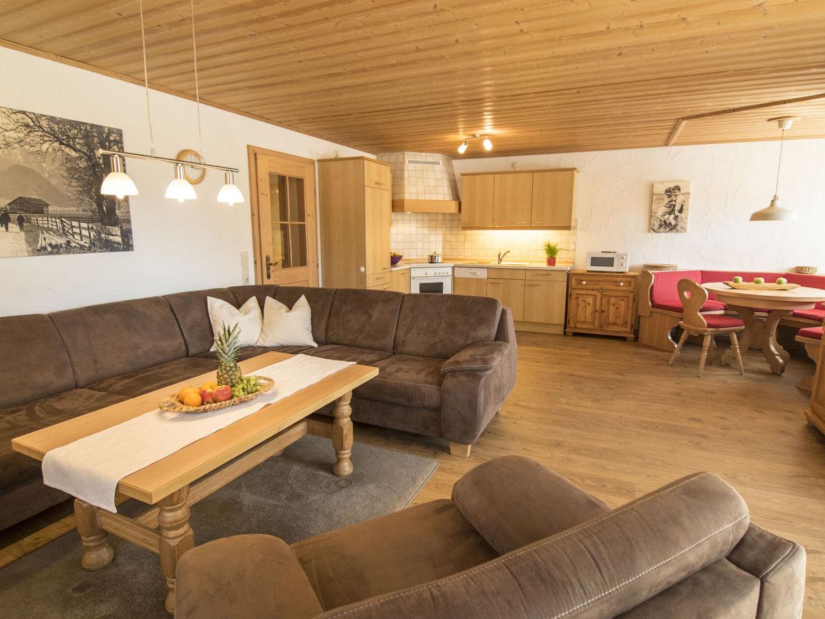 ferienwohnung im ferienhaus haussmann f r 4 personen bayern allg u ostallg u schwangau. Black Bedroom Furniture Sets. Home Design Ideas
