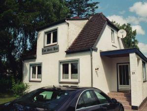 Twe Seen Hus -Ferienwohnung Ulenspegel-