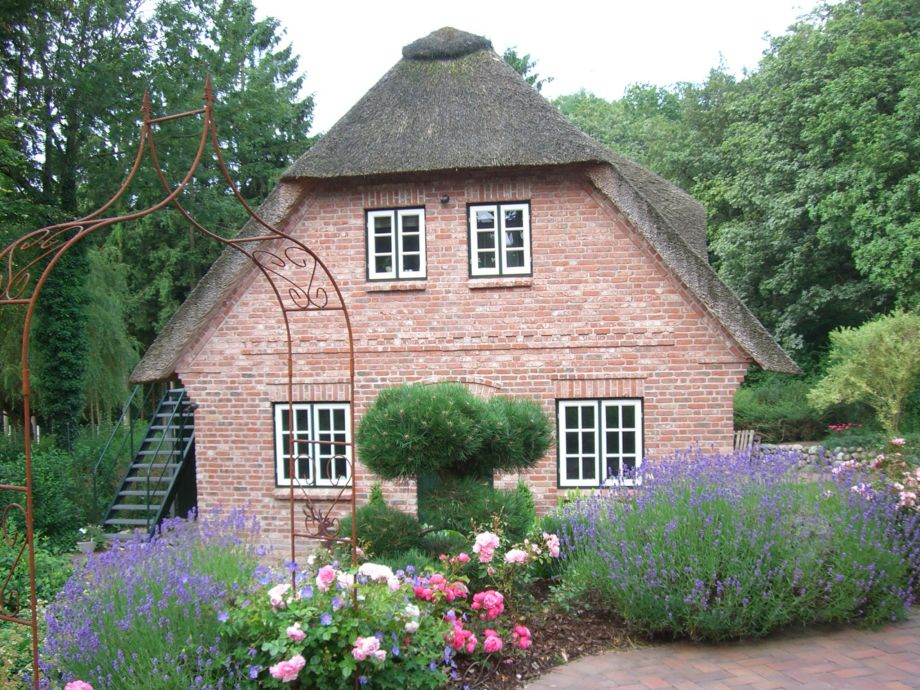 """My Little Rose Cottage"""