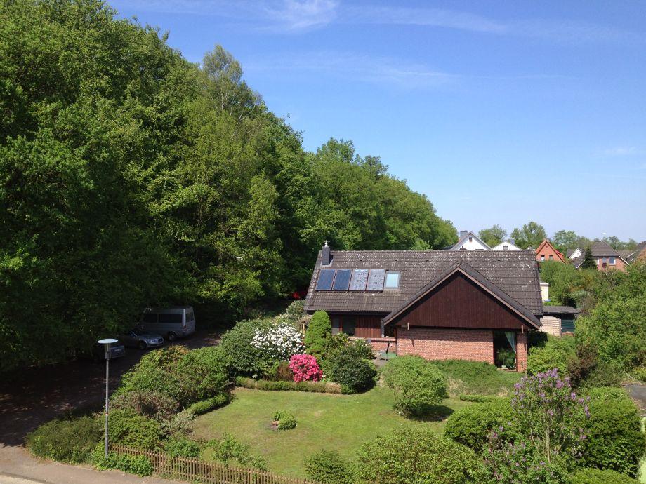 Ferienhaus am Wald mit großem eingezäunten Garten
