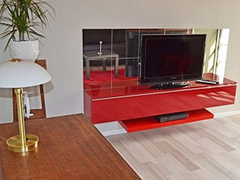 mit großem Flat-TV