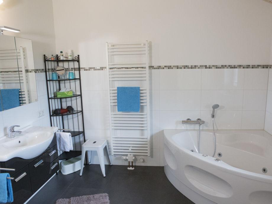 Zimmer Mit Badewanne Fr Zwei: Bett mit badewanne ein originelles ...