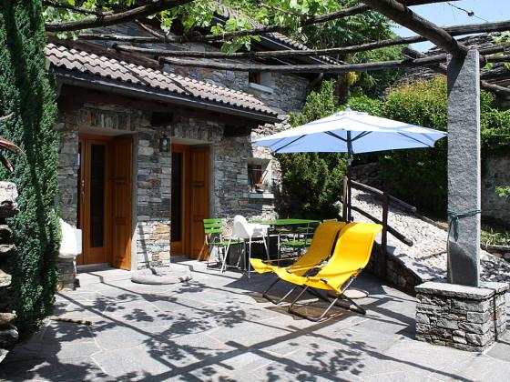 ferienhaus wohlf hlrustico tessin lago maggiore firma. Black Bedroom Furniture Sets. Home Design Ideas