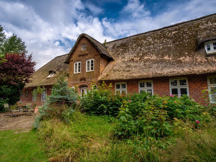 Reetgedecktes Haupthaus: Baujahr 1843