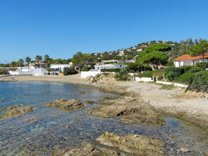Holiday house directly on the beach in Les Issambres
